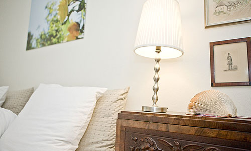 Room 1 is antique and new practical complex - Bed And Breakfast Hotel Albertine