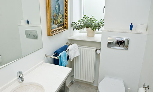Room 3 has completely renovated bathrooms - Bed And Breakfast Hotel Albertine