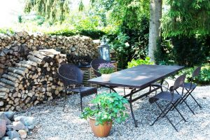 french-garden-furniture-at-bb-hotel-albertine