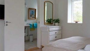Accommodation in room 3 with imaginative decor – BB Hotel Albertine